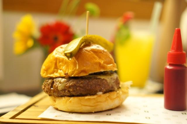 Benedict Burger - IDR 100.000