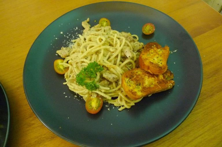 Mushroom Cream Pasta with Chicken - IDR 70.000